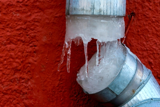 How to Thaw Frozen Pipes and Repair Your Plumbing