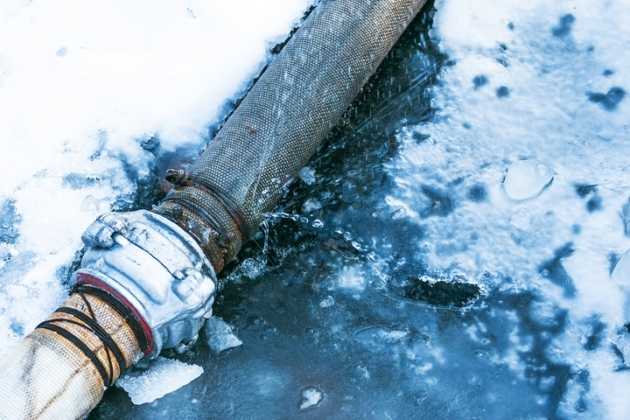 6 Potential Signs of a Burst Pipe in Winter